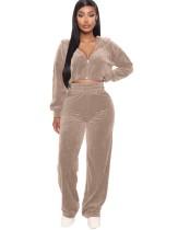Survêtement à capuche avec top court et pantalon en pur velours