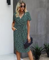 Vestido midi envuelto con cordones y estampado casual de verano