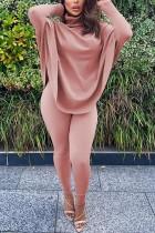 Осенний комплект простой свободной рубашки и узких брюк с отложным воротником