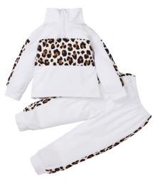 キッズガール秋のヒョウの白いシャツとパンツのセット