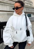 Top con capucha con bolsillo delantero y manga abullonada de invierno