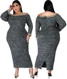 Зимнее темно-серое платье-миди с открытыми плечами большого размера с разрезом
