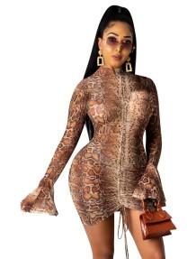Сексуальное мини-платье с рюшами и леопардовым принтом для осенней вечеринки