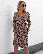Vestido de camisa de leopardo con cuello en V informal de otoño