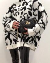 Rollkragenpullover mit Winter-Leopardenmuster und lockerem langen Pullover