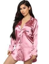 Pyjama met lange satijnen blouse met herfstletterprint