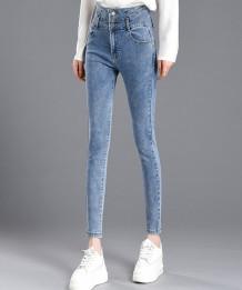 Jeans skinny a vita alta con bottoni lavati in inverno
