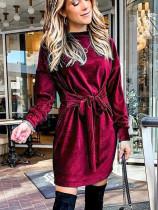 Весеннее бархатное элегантное мини-платье с завязками