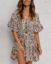Vestido corto con cuello en V y estampado de puntos casuales de verano con mangas anchas