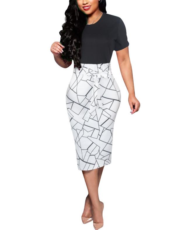 Vestido de tubo de manga corta con estampado de parche de oficina