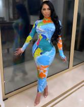 Vestido de festa de manga comprida com estampa de mapa midi