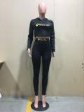 Conjunto de pantalón de chándal y top corto con capucha y manga larga con estampado de letras