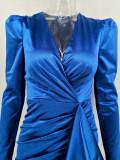 Vestido de club azul formal envuelto con mangas completas