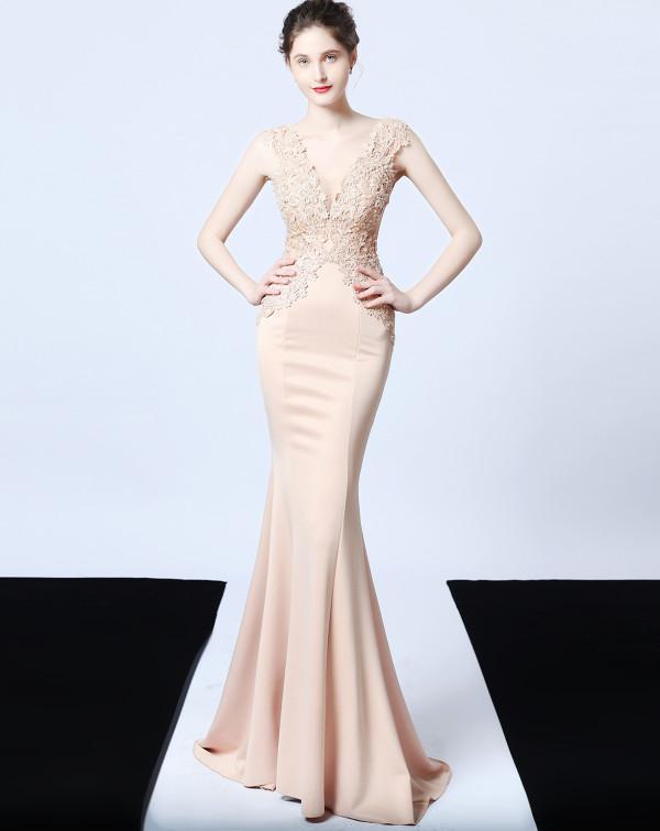 Vestido de noche formal de sirena con cuentas y cuello en V sin mangas