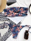 Traje de baño floral de dos piezas sin tirantes