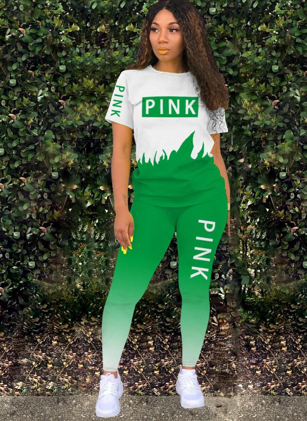 Conjunto de camisa y pantalón degradado en contraste con estampado de letras
