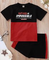 Conjunto de camiseta y pantalón corto a contraste con estampado de verano para bebé niño