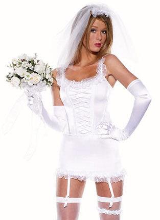Lencería camisola blanca de novia con velo y guantes