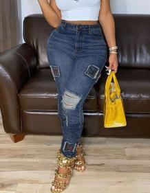 Blauwe jeans met hoge taille en gescheurde pasvorm