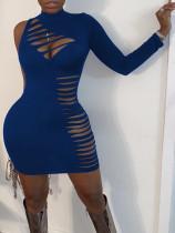 Vestido bodycon rasgado sexy de cor sólida com um ombro