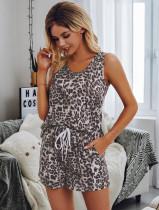 Conjunto de pijama a juego con chaleco y pantalones cortos con estampado de leopardo de verano