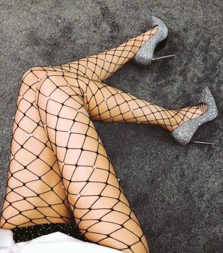 Bas sexy en résille noire perlée