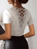 Camisa elegante de renda branca de verão nas costas