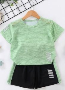 Set van 2-delige zomersportshirt en short voor jongens