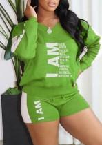 Camicia e pantaloncini casual con scollo a V con stampa primaverile abbinati a 2 pezzi