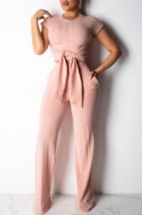 Conjunto de pantalón y top corto con nudo acanalado rosa informal de verano a juego