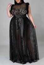Vestido de noche largo sin mangas con parche de malla negro de talla grande