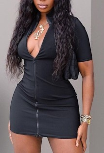 Mini vestido casual de verano con cuello alto y cremallera en negro