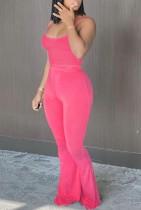 Top corto estivo casual con cinturino rosa e pantaloni a vita alta abbinati a 2 pezzi