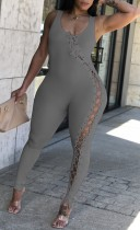 Летний серый сексуальный облегающий комбинезон без рукавов на шнуровке в рубчик