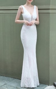 Summer Wedding White Sequins Sleeveless V-Neck Mermaid Bridal Dress