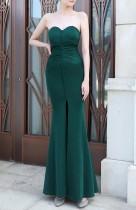Vestido de noche de sirena sin tirantes con abertura frontal verde de verano