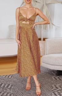 Vestido largo con tirantes anudados y abertura lateral romántica con estampado de verano