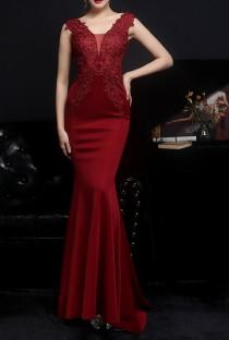 Summer Red Lace Upper Sleeveless V-Neck Mermaid Evening Dress