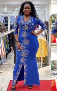 Vestido de noche de sirena con abertura de media manga con estampado azul de verano