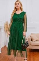 Vestido de noche largo con cuello en V y parche de malla verde de talla grande de verano