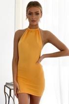 Sommer Casual Knitting Gelb Sexy Backless Neckholder Mini Sommerkleid