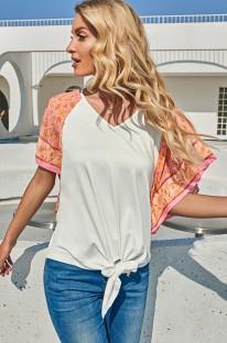 Camisa regular anudada blanca con cuello en V y estampado de verano