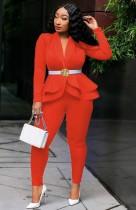 Весенний деловой костюм оранжевого цвета в тон с длинным рукавом с баской и брючный костюм