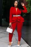 Весенний деловой красный топ с баской с длинными рукавами в тон и брючный костюм