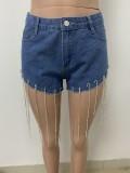 Shorts jeans com franja justa na cor azul verão