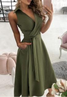 Летнее элегантное однотонное платье с запахом и поясом