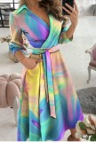 Летнее элегантное платье фигуристки с запахом радуги и поясом
