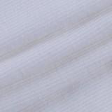 Gilet corto e pantaloncini bianchi con stampa casual estiva