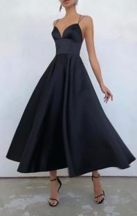 Летнее официальное черное длинное платье для выпускного с бретельками и завышенной талией