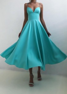 Летнее официальное синее длинное платье для выпускного с завышенной талией и ремешком